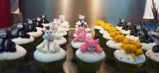 cat-cupcakes-and-cakes