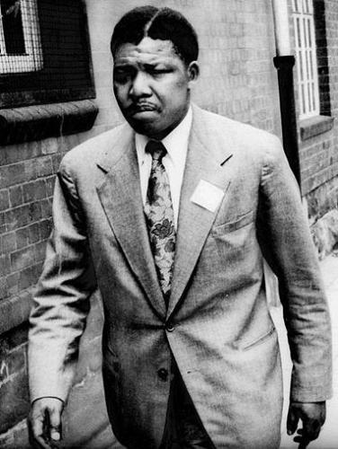 Young Mandela Africa Fighting (3)