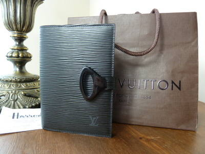 Louis Vuitton Agenda in Black Epi Leather