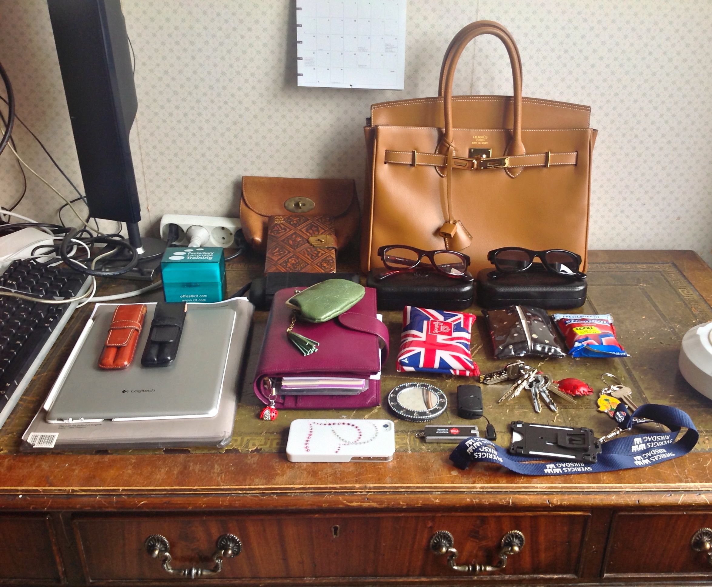 9701d599998 What s in my bag today  Tan Birkinalike – Janet Carr