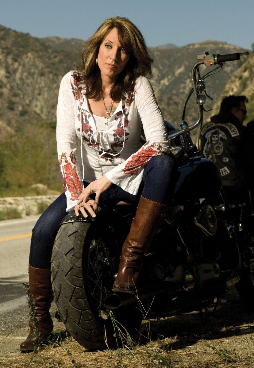 Katy Sagal's wardrobe in Sons of Anarchy