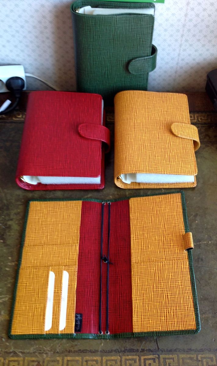 van der spek lv binders in red yellow and green with