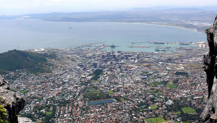 1024px-Table_Bay_and_The_City_Bowl_from_the_summit_of_Table_Mountain