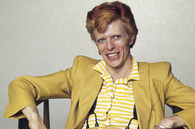 david-bowie-1974-Terry-ONeill-yellow-suit-billboard-650