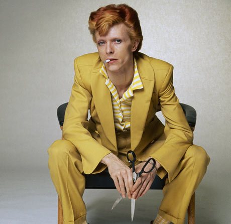 David-Bowie-in-a-mustard--001