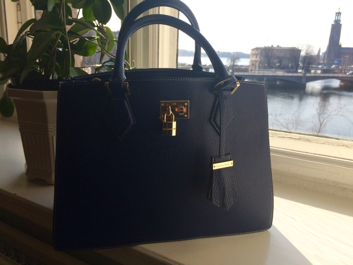 I have always liked Samantha Thavasa handbags though they are not sold in many  stores in Europe (not ones I have been into anyway. 7ef198f584