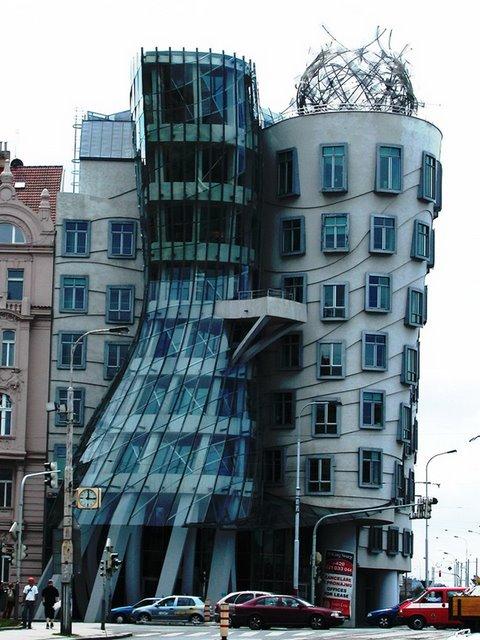 Dancing Building, Prague