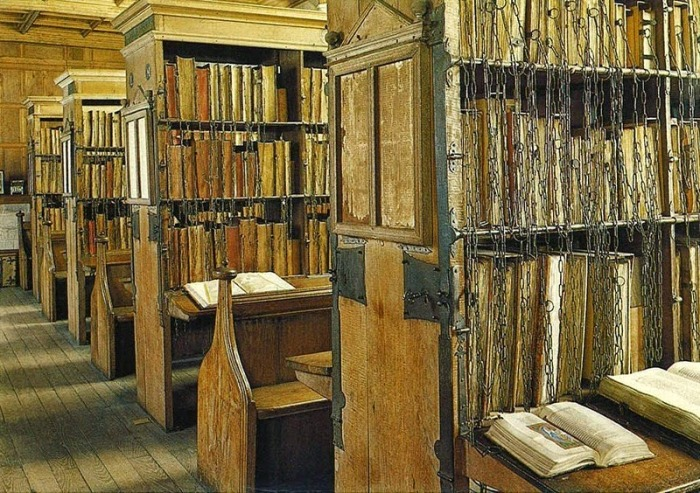 hereford-cathedral-chained-library-12