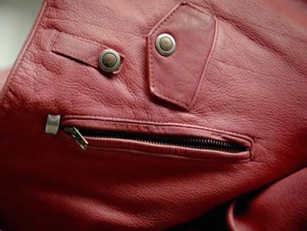 funny-pics-of-objects-that-look-drunk-purse