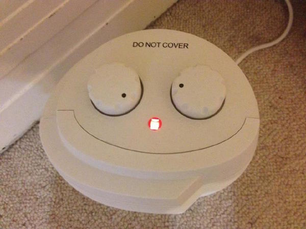 funny-pics-of-objects-that-look-drunk-smoke-alarm