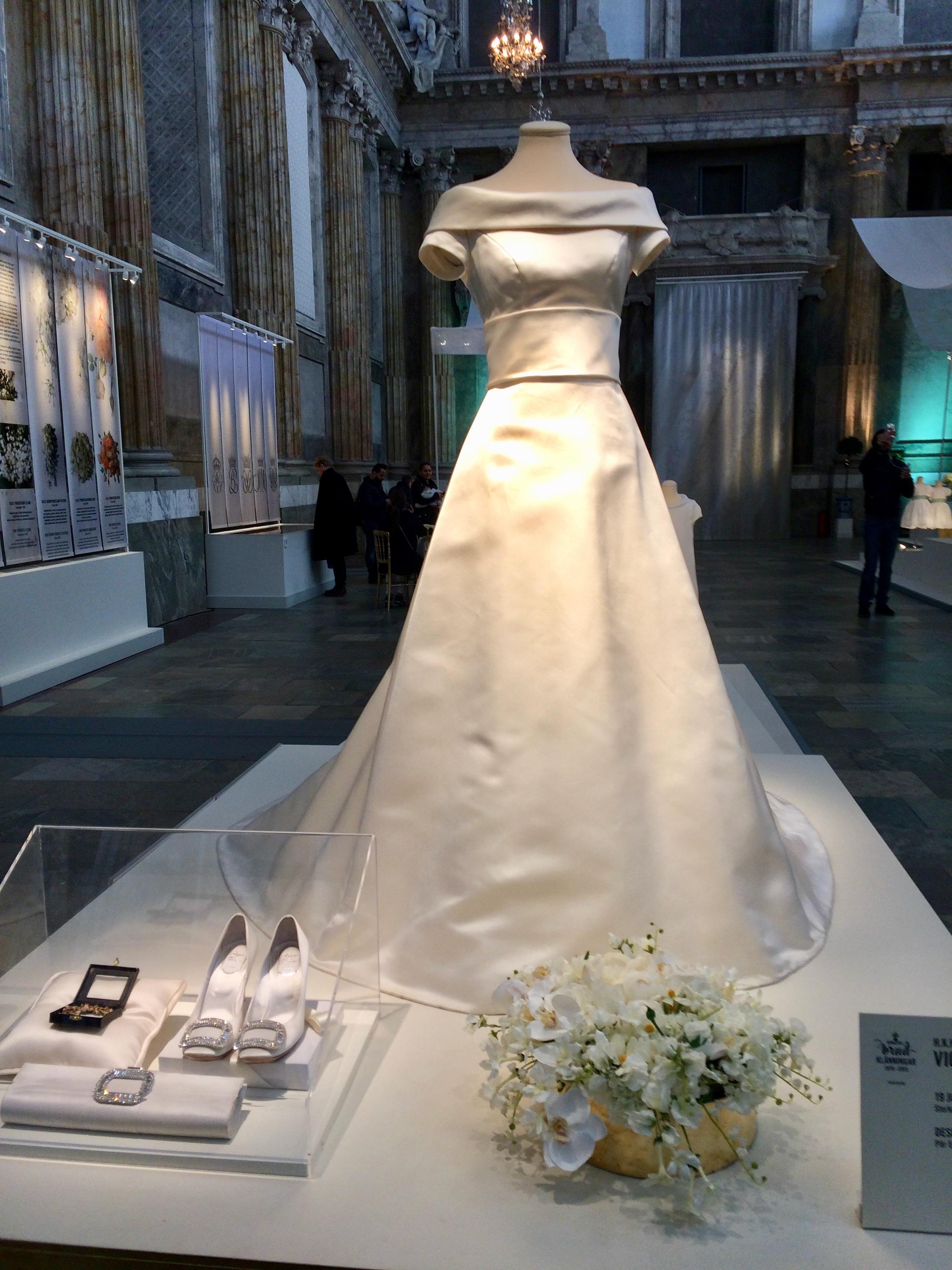 Swedish royal wedding dress exhibition – Janet Carr @