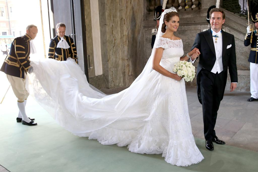 Swedish royal wedding dress exhibition – Janet Carr @