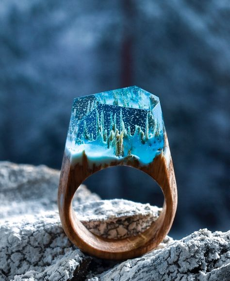 Secret wood rings janet carr for Waterfall design ring