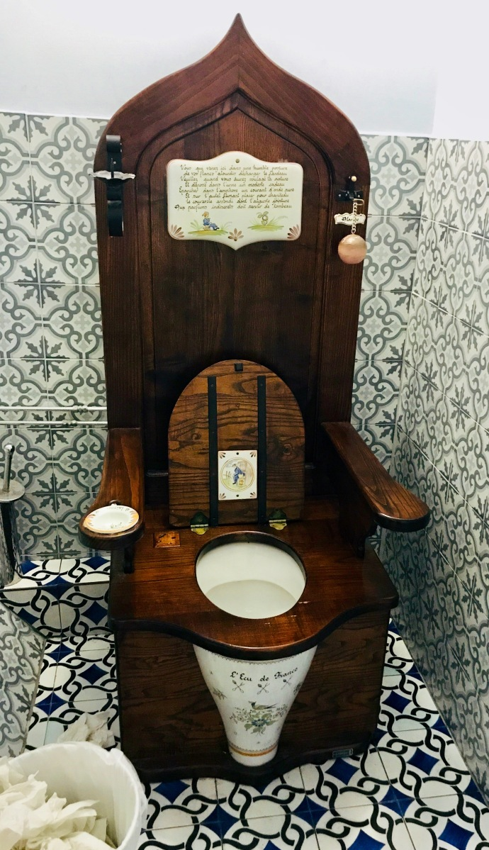 Look at this toilet!