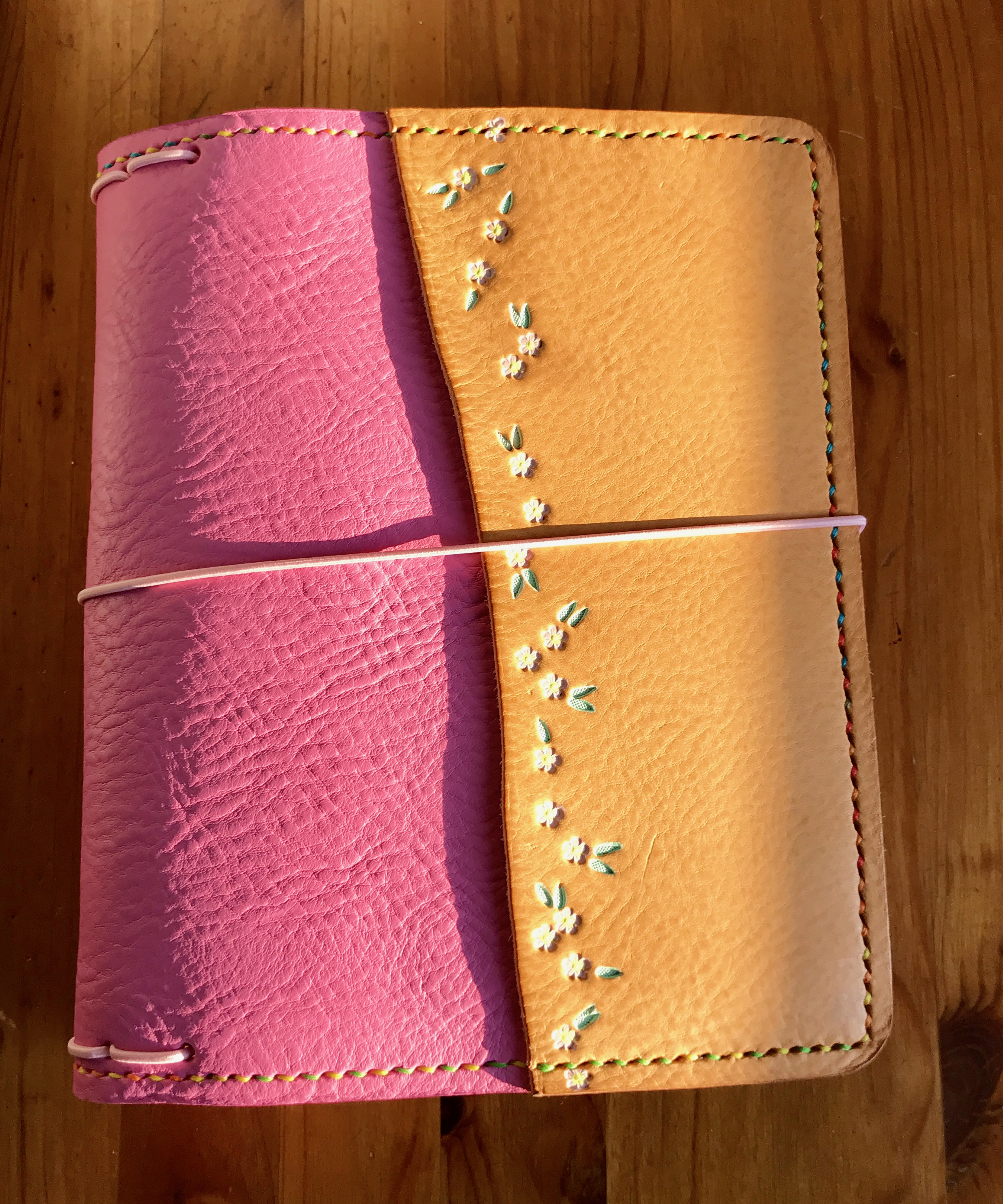 Elrohir Leather pink and nude A5 traveler's notebook cover